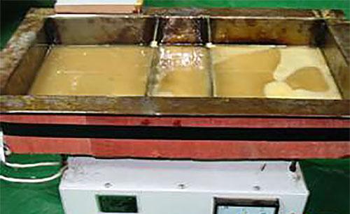 热熔胶胶液冒出气体